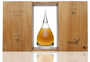 70cl-decanter-with-wooden-box-revised-branding