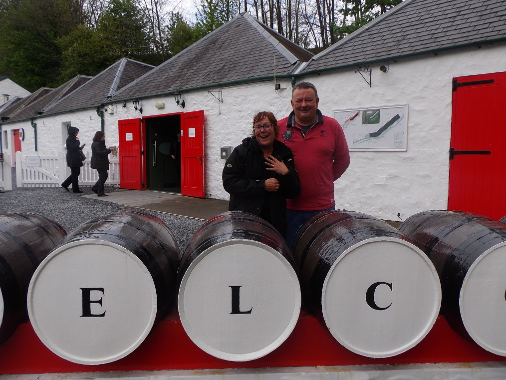 Liz (mcleanscotland owner) with Andrew (owner) at Edradour distillery
