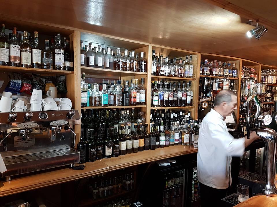 PAUL Ballygrant bar