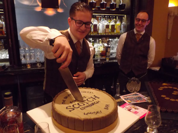 aa-cutting-the-birthday-cake-at-the-whisky-eveny-in-edinburgh