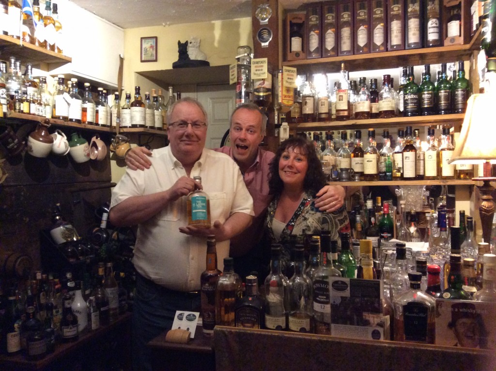 Liz and Paul of mcleanscotland whisky tours sharing drams with Ingvar Ronde