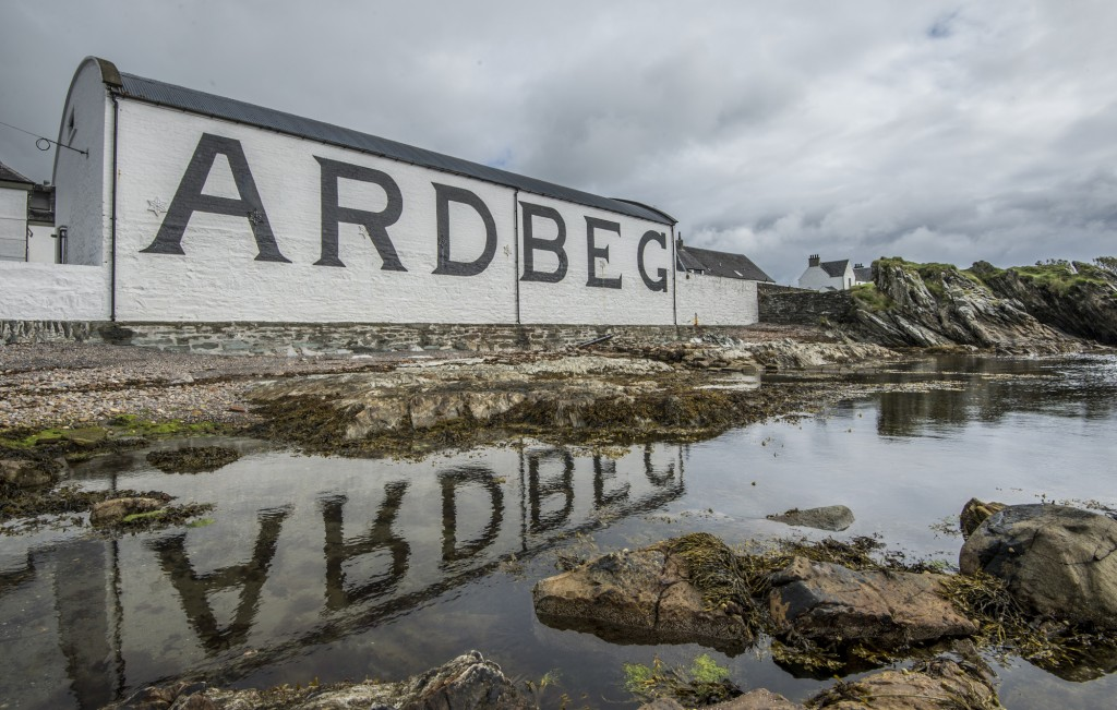 Ardbeg Pier Review images.