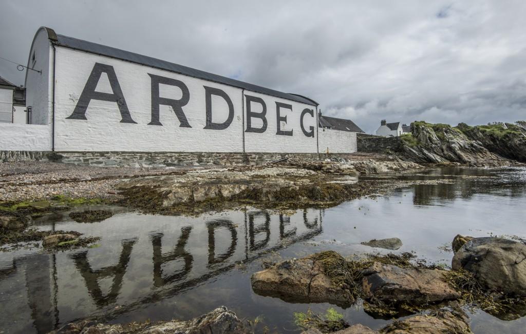 Ardbeg Pier Review images.
