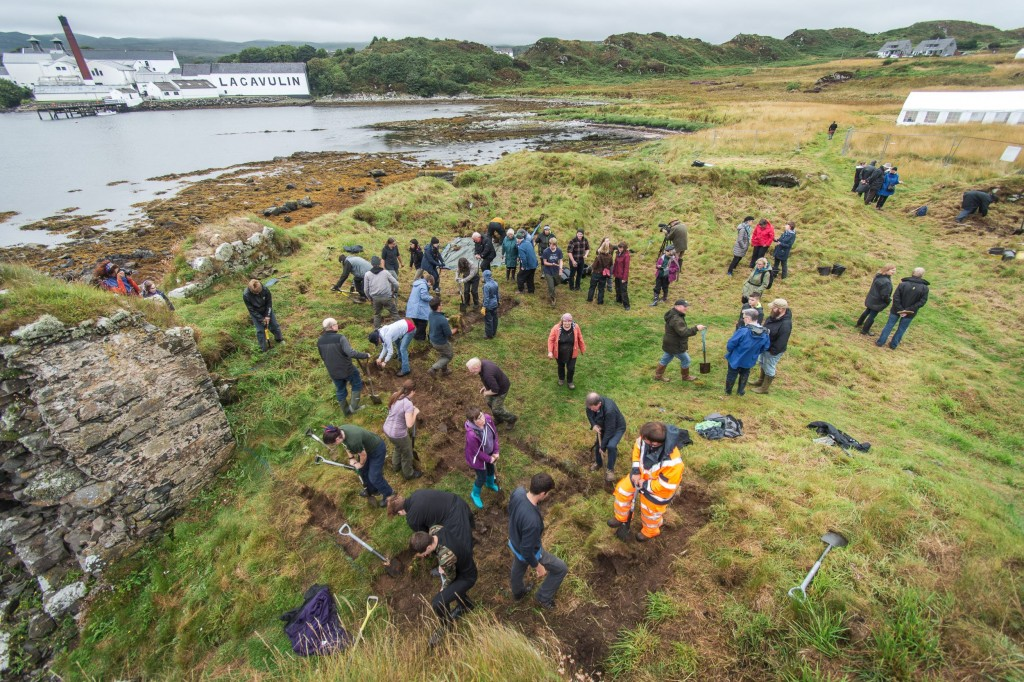 Excavation at Dunyvaig Castle-min