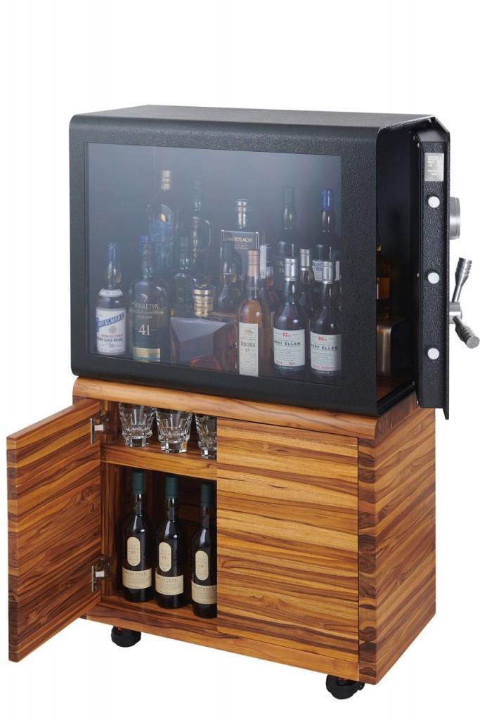 whisky_vault_teak_open