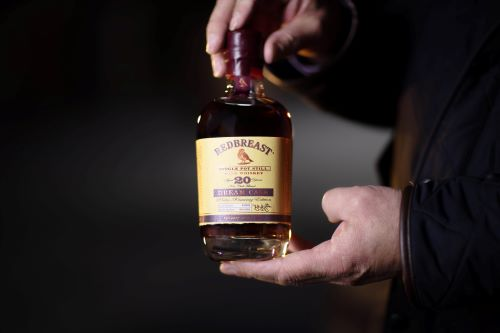Redbreast Dream Cask (Hands) (002)