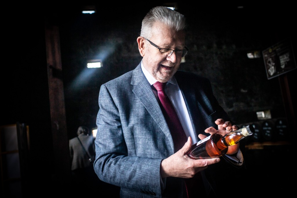 SML - MIKE RUSSELL VISIT TO GLEN SCOTIA DISTILLERY (2) (003)